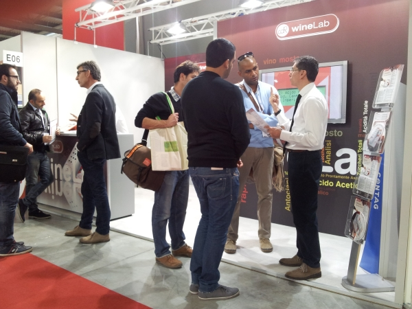 The great interest in CDR WineLab analysis system from the international audience in front of the stand