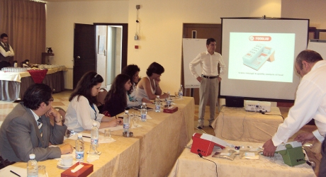 CDR FoodLab analyzer for fats, edidle oil, dairy products quality control presented by Gabriele Casini in Lebanon